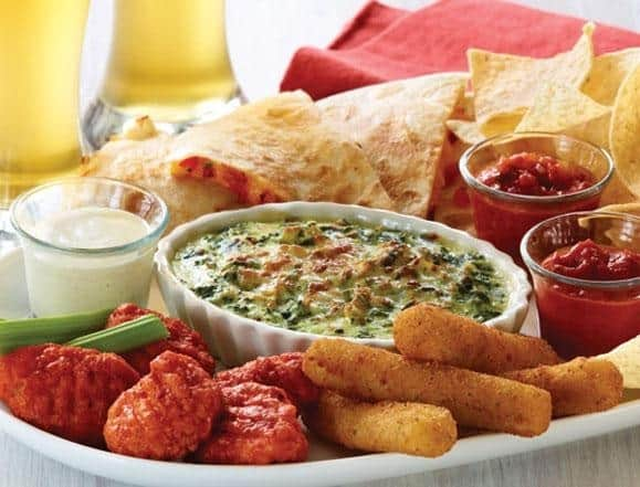 applebees appetizer sampler plate mozzarella sticks, spinach dip, quesadillas, fried wings