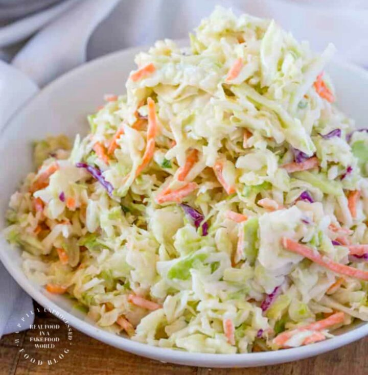 CLASSIC SUMMER COLESLAW RECIPE- Perfect as a side dish or with pulled pork #coleslaw #summerside #bbq #grilling #happilyunprocessed