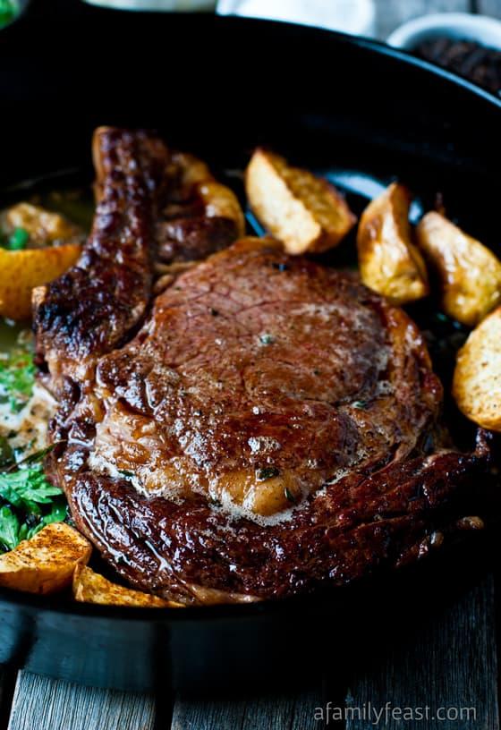 10 skillet perfect steak3 - 10 Cast Iron Skillet Recipes