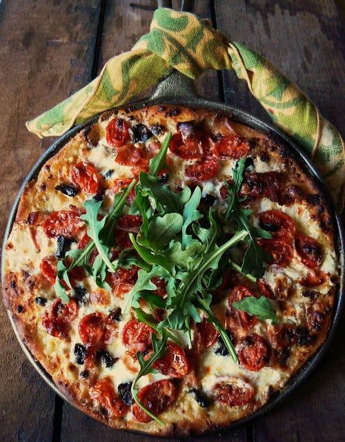 10 skillet pizza - 10 Cast Iron Skillet Recipes