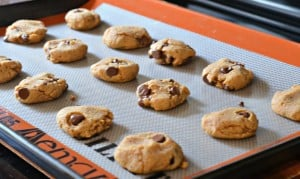 Peanut Butter & Chocolate Chip Cookies (Gluten Free)