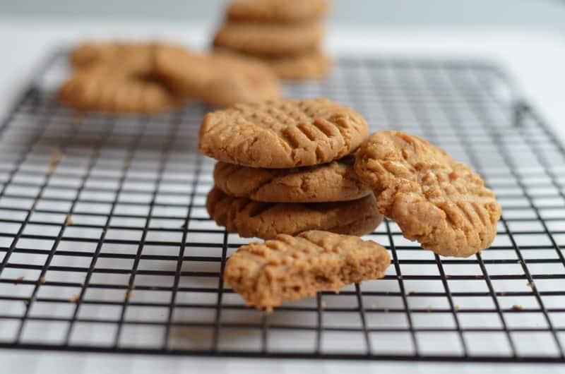 peanutbutter cookiespic.jpg 1024x678 - Flourless Peanut Butter Cookies
