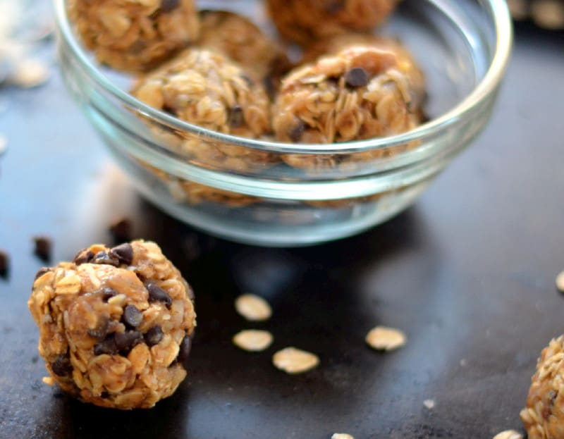 051ps 1024x797 - Peanut Butter & Oat Energy Bites