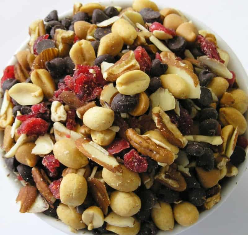 snacks-trail-mix-on-the-go-moms
