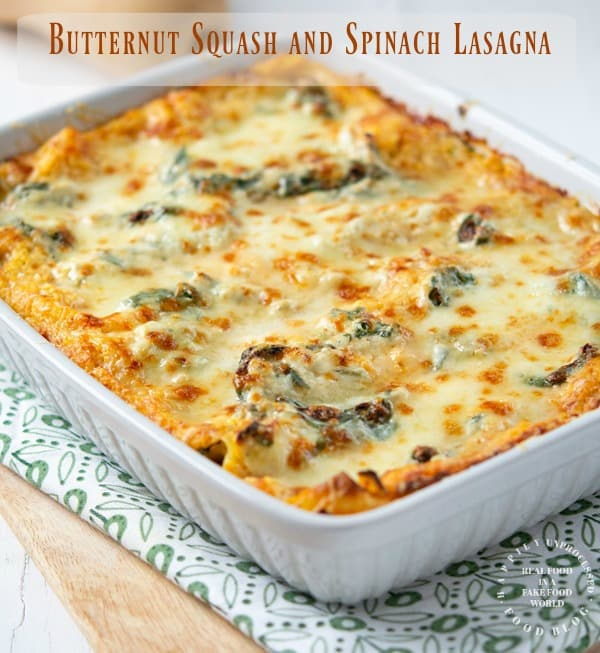 ROASTED BUTTERNUT SQUASH AND SPINACH LASAGNA - Vegetarian lasagna with butternut squash puree,  spinach, garlic and ricotta cheese topped with mozzarella #happilyunprocessed #vegetarian #lasagna #butternut #squash #cleaneating #healthy #dinner