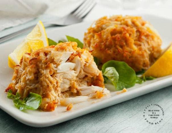 crab cakes 1 pic.jpg - Fresh Jumbo Lump Maryland Crabcakes