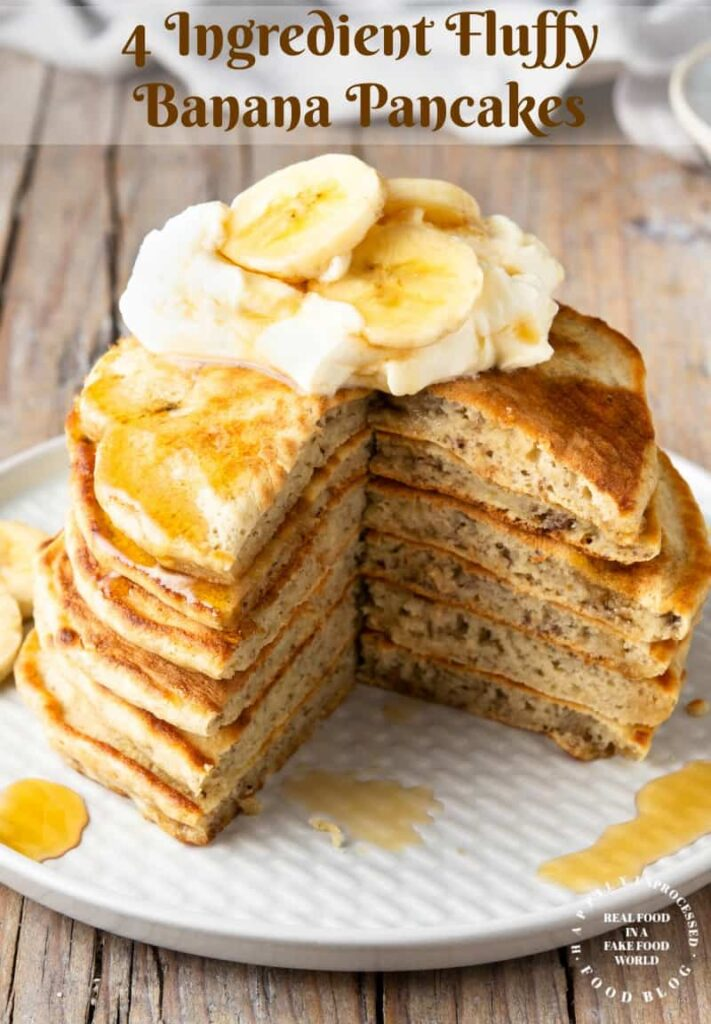 4 Ingredient Banana Pancakes - get a healthy start to the day with these banana pancakes #banana #pancakes #breakfast #healthy #happilyunprocessed