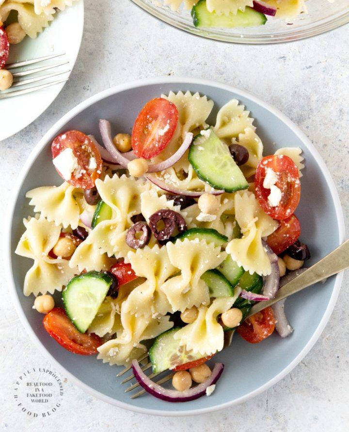mediterannean pasta salad 3 720x890 - Mediterranean Bowtie Pasta Salad