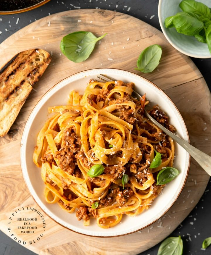 bolognese sauce 1a 720x872 - Classic Bolognese Sauce with Tagliatelle (step by step)