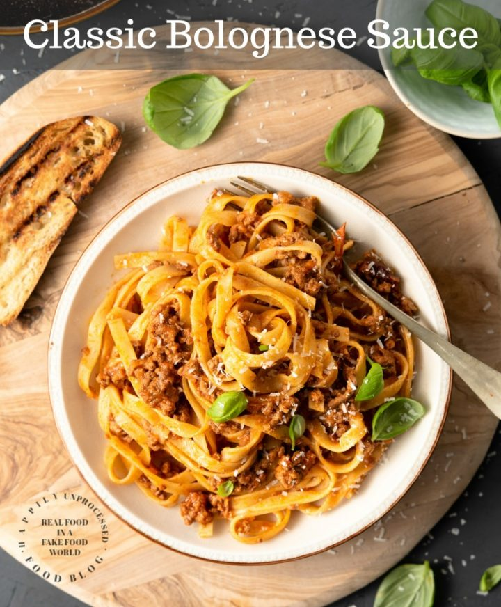 bolognese sauce 1pin 720x872 - Classic Bolognese Sauce with Tagliatelle (step by step)