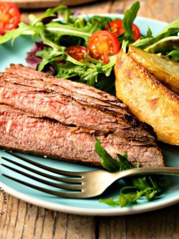 MARINTED FLANK STEAK - easy weeknight steak #steak #dinner #happilyunprocessed.com