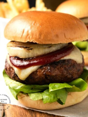 Coffee Rubbed Burgers with Smoked Gouda and Homemade BBQ sauce #burgers #bbq #grilled #hamburger #happilyunprocessed
