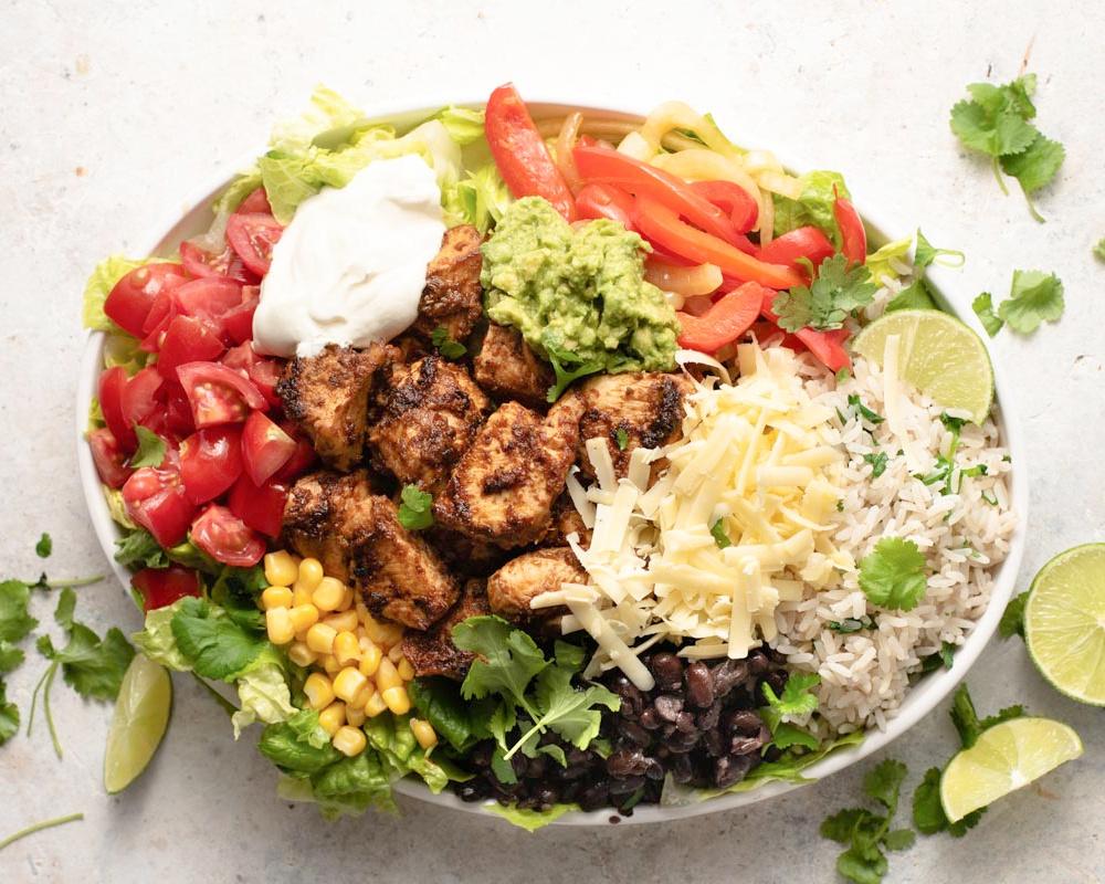 Chipotle Copycat Burrito Bowl with Cilantro Lime Rice - Copycat Chipotle Burrito Bowl with Cilantro Rice