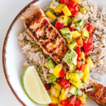 Healthy Grilled Salmon with Lime Mango Salsa