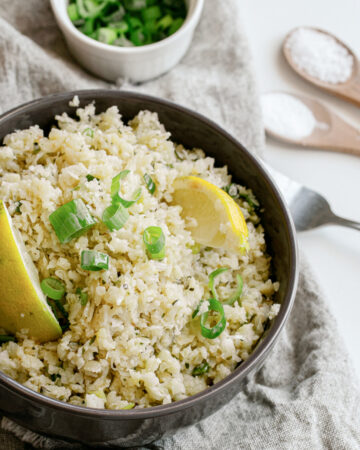 Garlic-and-Herb-Cauliflower-Rice-is-a-healthy-plant-based-gluten-and-dairy-free-side-dish-happilyunprocessed