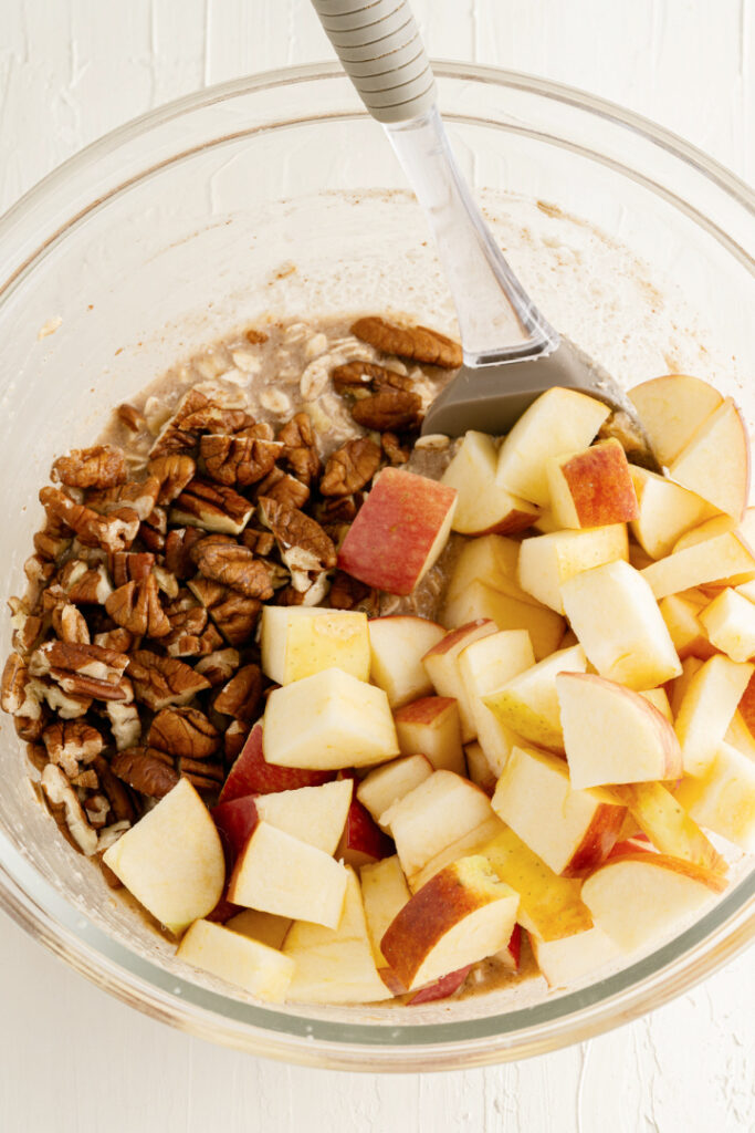 Baked Apple Pie Oatmeal ingredients in a bowl 683x1024 - Baked Apple Oatmeal
