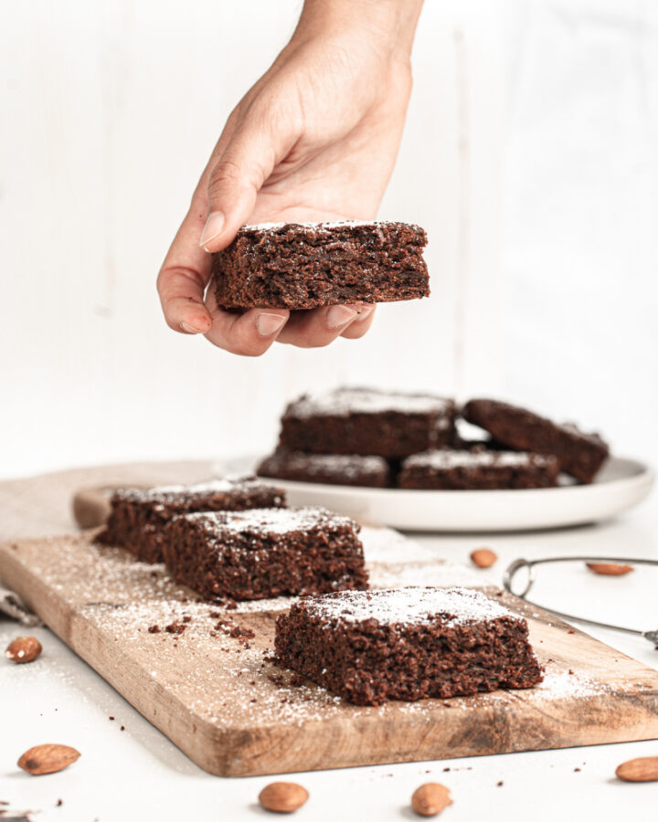 Healthy Zucchini Brownies with powdered sugar on top 720x900 - Irresistible Healthy Chocolate Zucchini Brownies